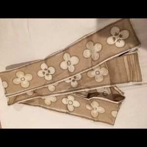 100% authentic Louis Vuitton Skinny Scarf
